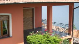 Casa indipendente con vista lago