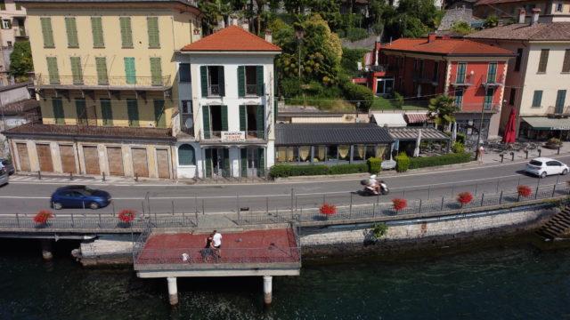 Palazzo d'epoca direttamente a lago