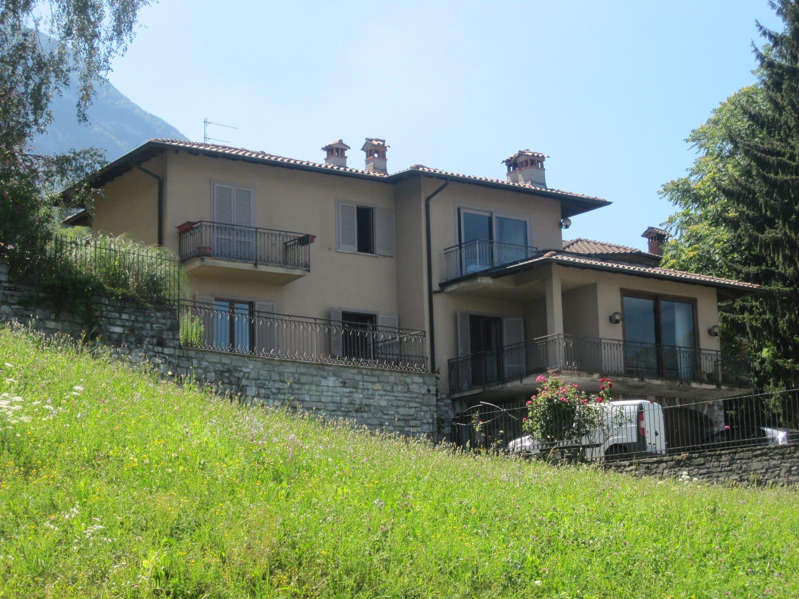 Villa indipendente studio immobiliare bianchistudio for Piani casa mn